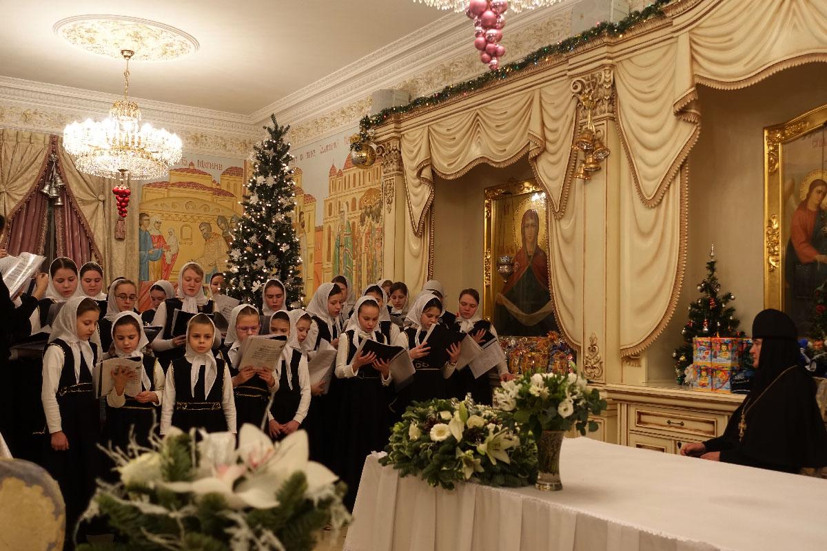 Рождественские колядки в Покровском женском монастыре