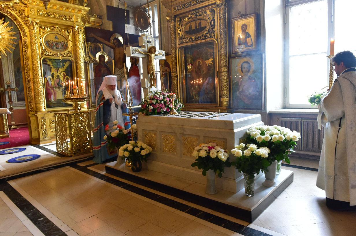Панихида по Святейшему Патриарху Алексию II в Елоховском соборе, поездка в Новоспасский монастырь