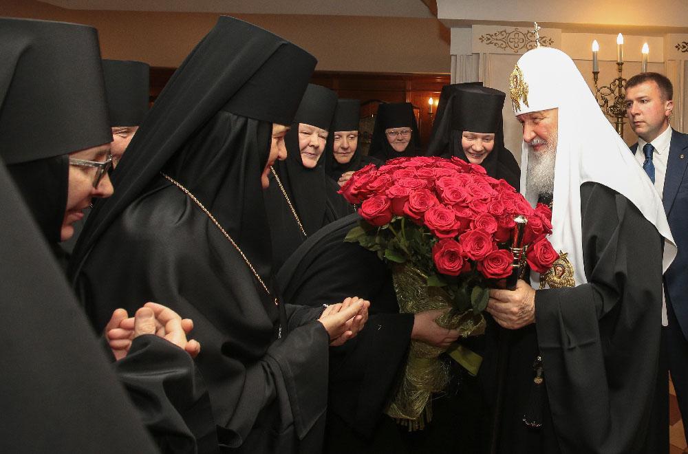 Монашествующие Русской Православной Церкви поздравили Святейшего Патриарха Кирилла с Днем тезоименитства
