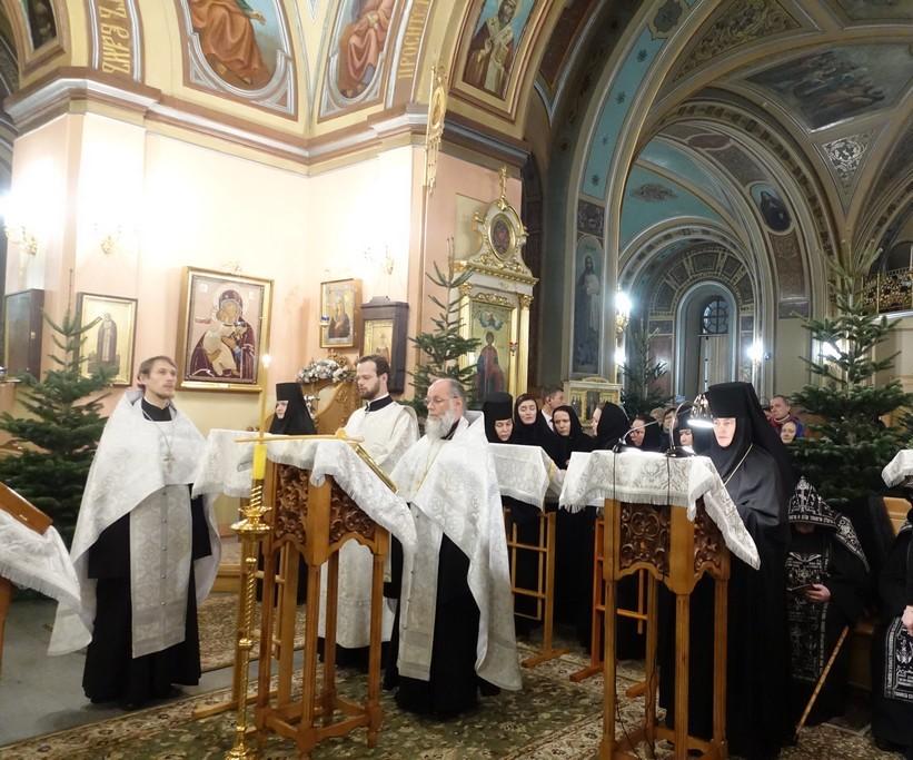 Царские часы в дни предпразднства Рождества Христова в Покровской обители