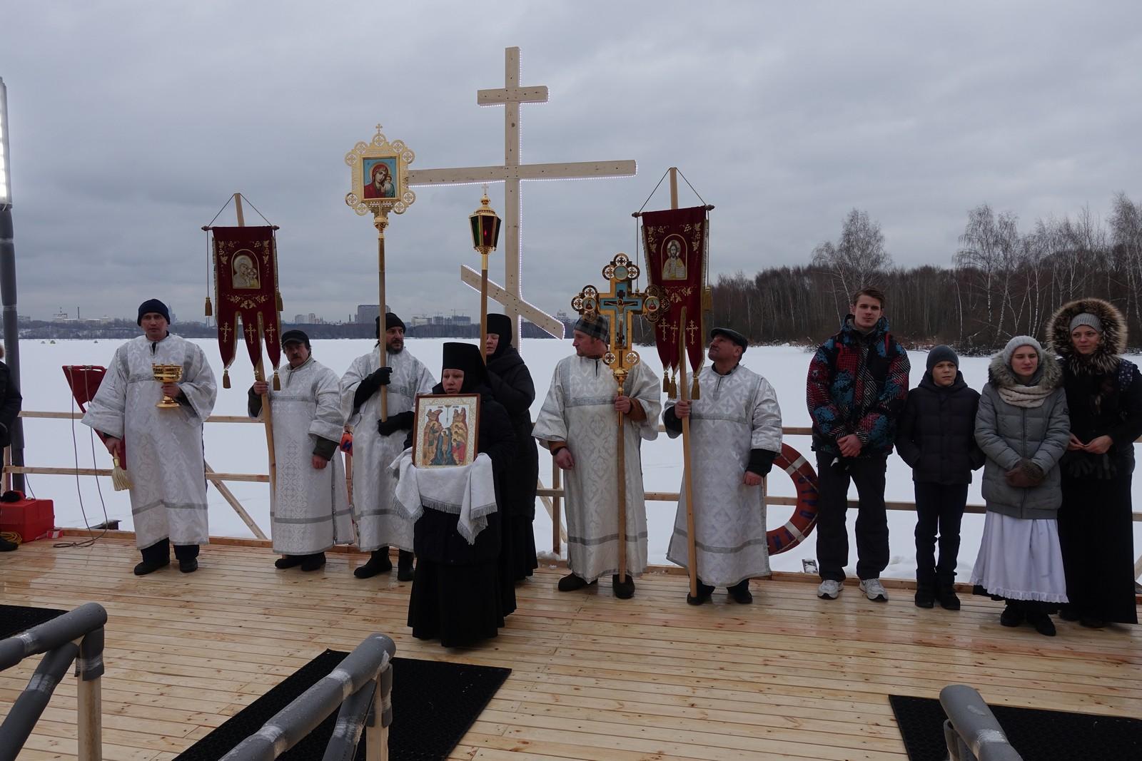 Крещенский сочельник на подворье Покровского монастыря в Троице-Лыково