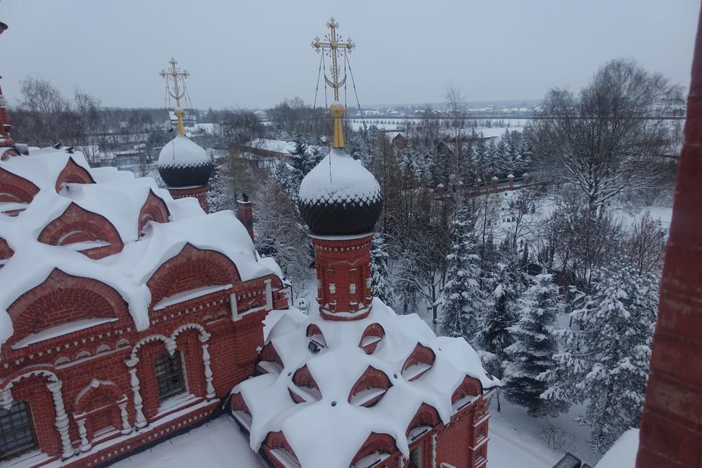 Подворье Покровского монастыря в селе Марково и хозяйство зимой