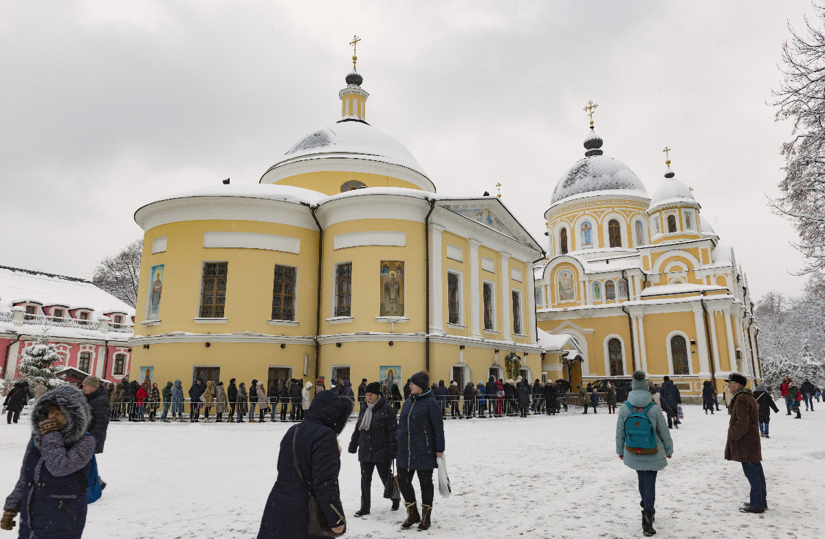 Зима в монастыре