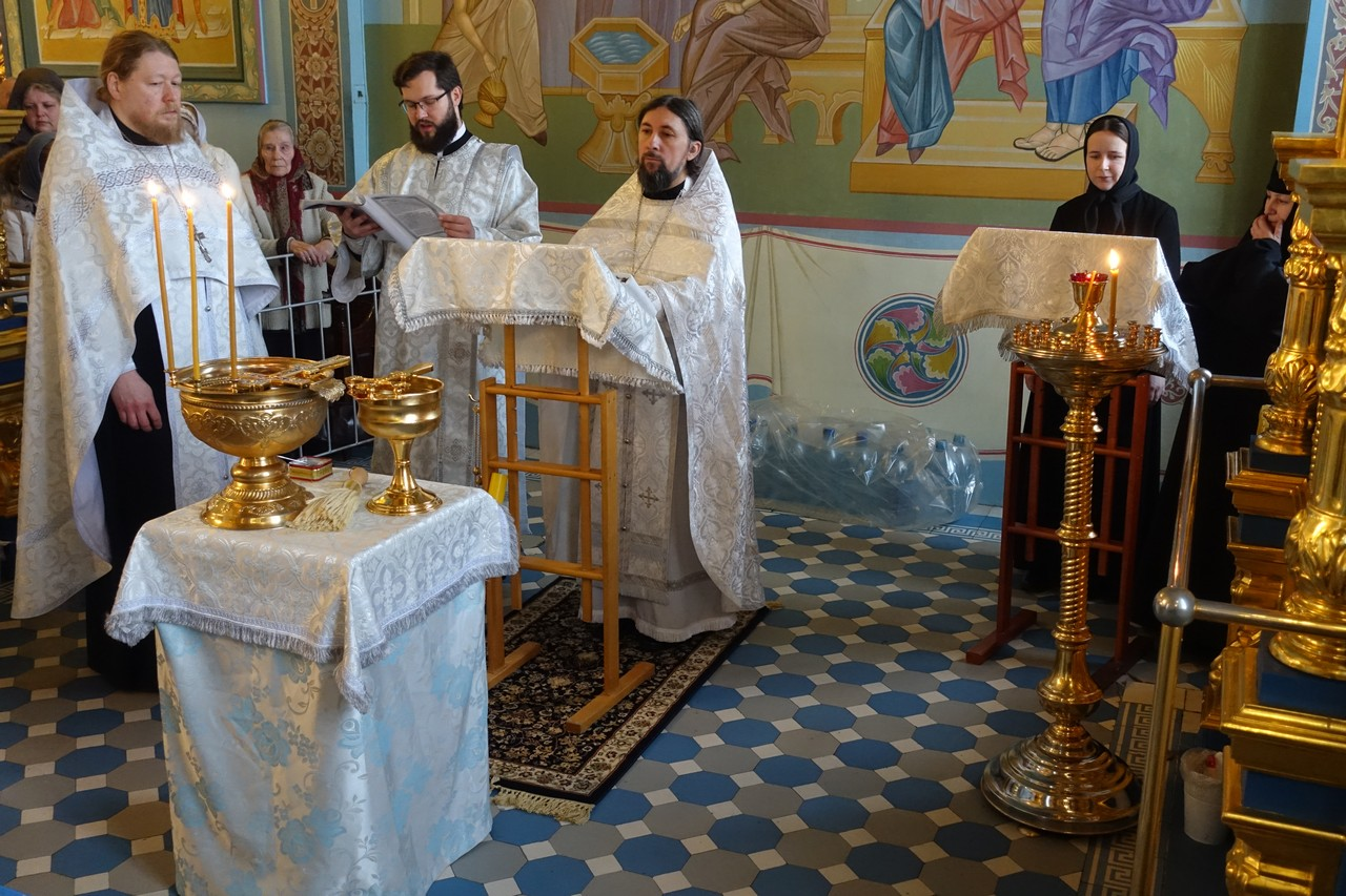Праздник Богоявления на подворье Покровского монастыря в Троице-Лыково